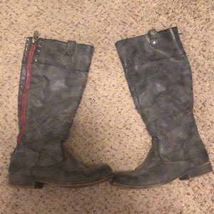 Steve Madden Caapital boots